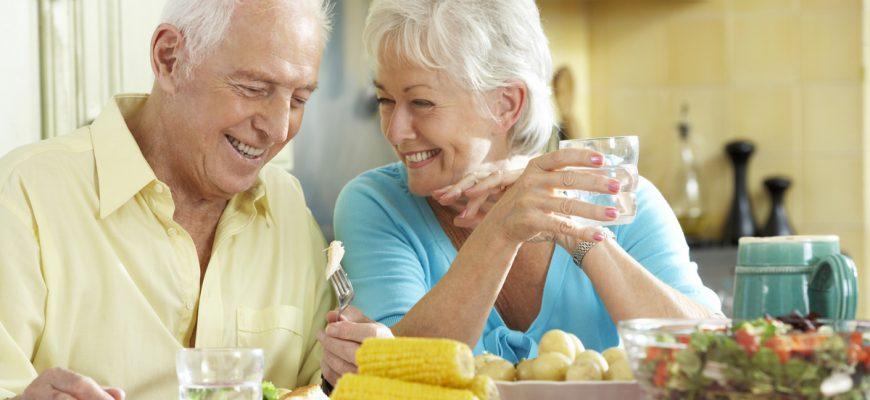 Seniors enjoying a healthy meal.